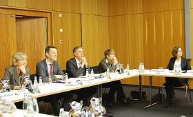 Runder Tisch auf Staatssekretärsebene in Berlin am dritten März