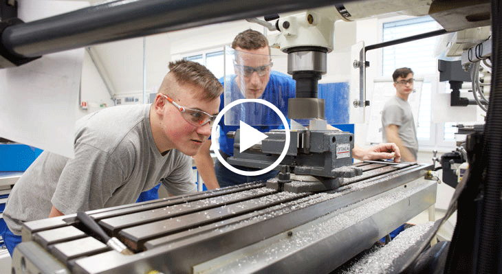 فيلم: ماذا يعني التدريب المهني المزدوج في ألمانيا؟